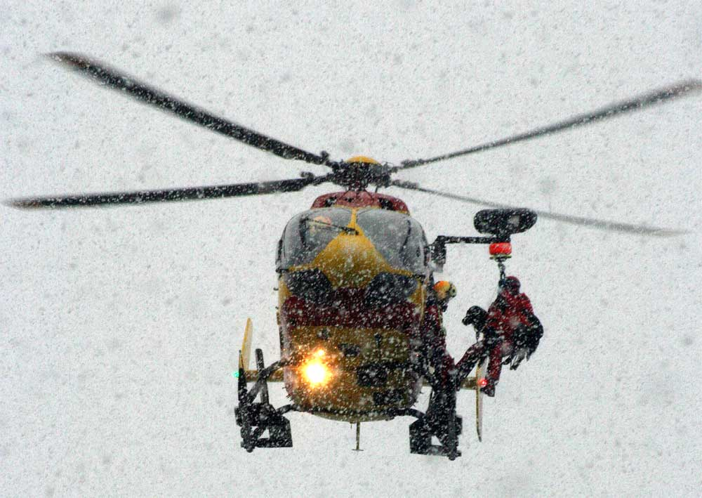 ski avalanche rescue helicopter